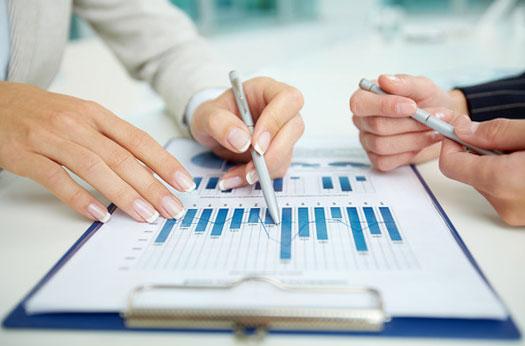 Финансови и данъчни консултации